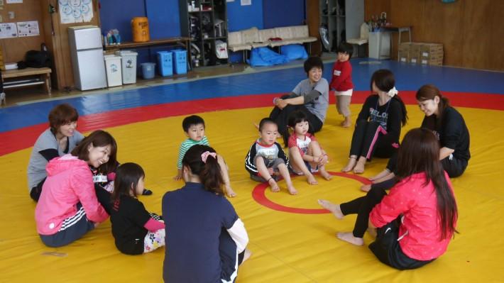 レスリング場では幼児体育講座も開催