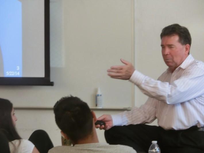 学生にとって、先生の質が最も大事だと私は考えています。その点でLang氏は最高の先生です